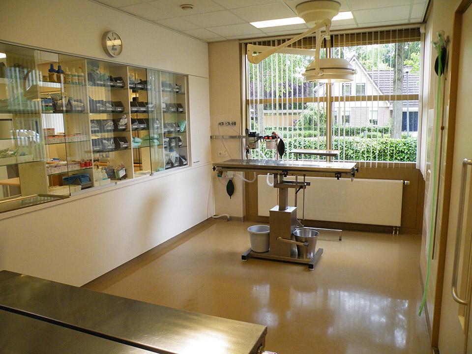 DAPZWD_dierenartsenpraktijk-meppel_content-praktijk-operatiekamer-2
